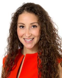 Photo of Carisa Banuelos, meditation expert